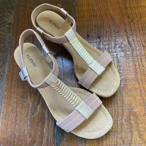 Alfani Women's Step 'N Flex Voyage Wedge sandals